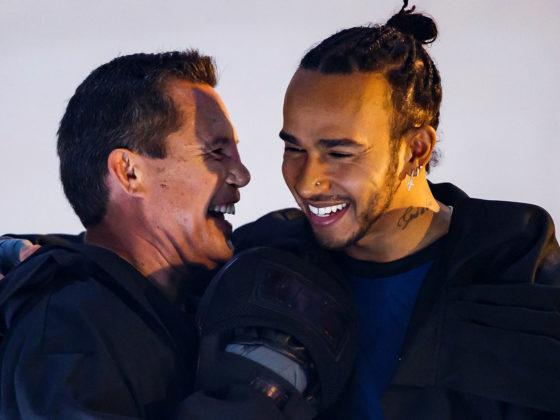 Foto: Lewis Hamilton y Julio César Chávez / EFE
