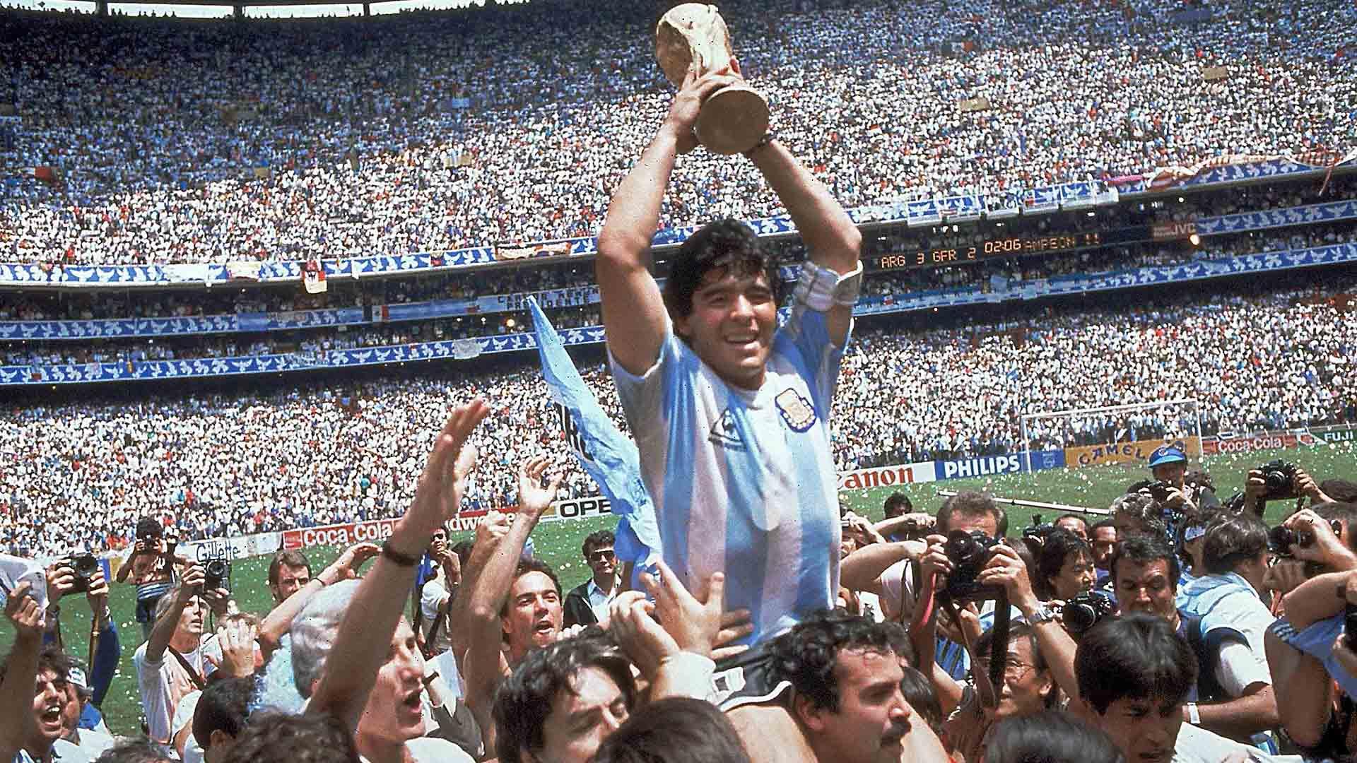 En Este Día: 60 años del nacimiento de Diego Maradona - UNANIMO Deportes
