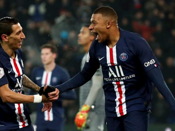 Kylian Mbappe del Paris Saint Germain celebra el gol con el Angel Di Maria (I) del Paris Saint Germain durante el partido de fútbol de la Ligue 1 francesa entre el Paris Saint-Germain (PSG) y el FC Nantes en el estadio Parc des Princes de París, Francia, el 4 de diciembre de 2019. (Francia) EFE / EPA / IAN LANGSDON