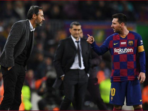 El momento de la discusión de Messi y Moreno. Foto: Twitter / @OrgullosoculeES