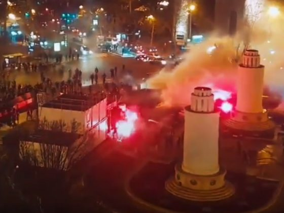 Enfrentamientos entre hinchas del PSG y el Galatasaray. Foto: Youtube
