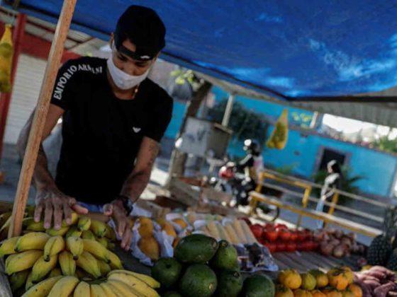 Futbolista brasileño dedicado a la venta de fruta