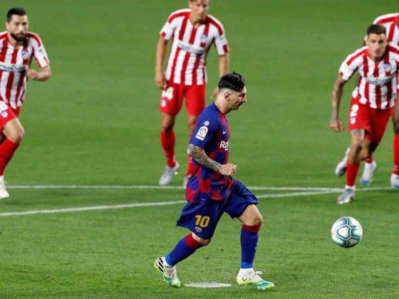 Foto: Lionel Messi, del Barcelona con su gol 700 / EFE