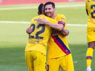 Foto: Lionel Messi y Arturo Vidal, del Barcelona / Twitter Oficial